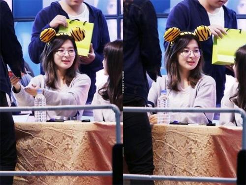 loat-sao-han-phat-cuong-voi-kinh-gong-tron-ngo-cute-1