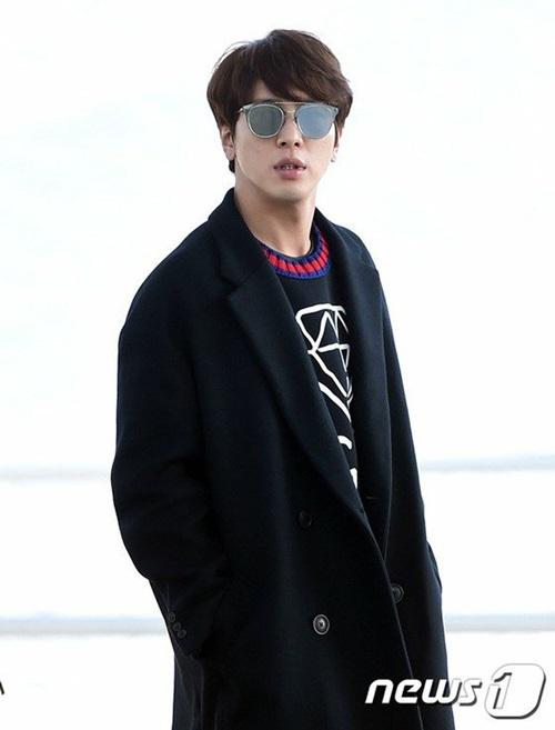 seo-hyun-krystal-nhot-nhat-mat-ngai-ngu-khi-ra-san-bay-7