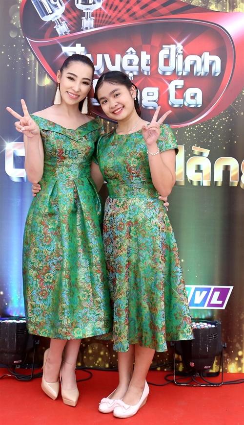 ho-viet-trung-suong-ron-khi-lan-dau-hat-voi-chu-nhan-vong-co-teen-3