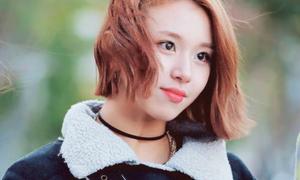 Em út của Twice bị nghi mắc bệnh ngôi sao giống Sulli, Jessica