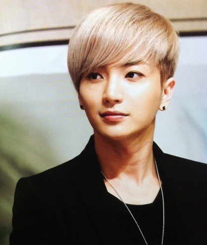 9-idol-kpop-om-mong-thanh-sao-de-thoat-ngheo-2