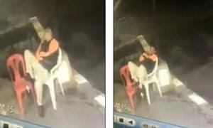 Thái Lan: Người đàn ông ngủ gật trên ghế nhựa, ngã xuống cống chết thảm