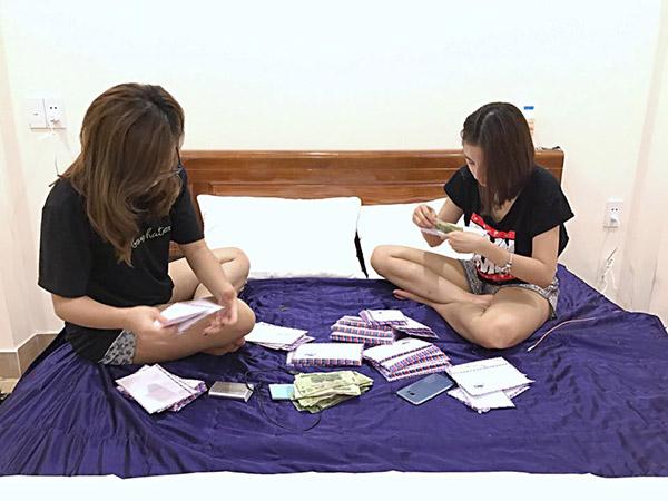sao-viet-11-11-elly-tran-khoc-gian-giua-ky-han-kien-cuong-giau-bung-bau-3