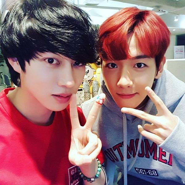 sao-han-12-11-tae-yeon-soo-young-mac-do-doi-cl-keo-vat-ao-khoe-dui-1