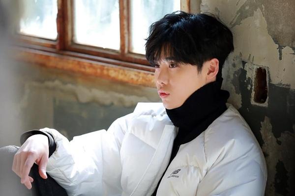sao-han-12-11-tae-yeon-soo-young-mac-do-doi-cl-keo-vat-ao-khoe-dui-4