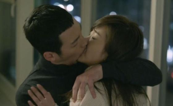 nhung-nu-hon-gay-mat-hung-trong-drama-han-7