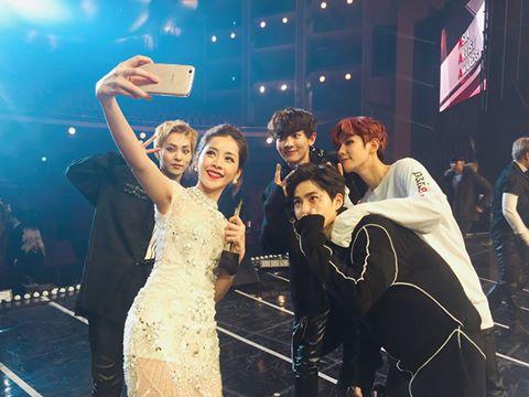 chi-pu-selfie-cung-exo-noi-bat-ben-dan-sao-khung-4