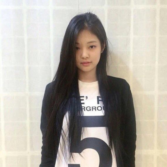 tan-binh-kpop-van-cuon-hut-du-khong-theo-mot-toc-ngan-8