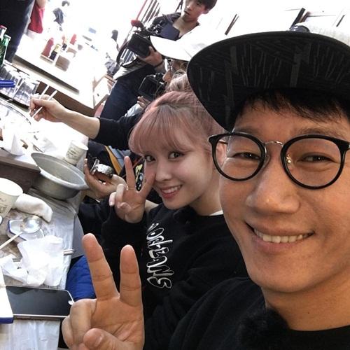 sao-han-17-11-g-friend-mix-ao-len-de-thuong-bambam-got7-bat-chuoc-cun-3