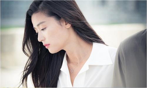 jun-ji-hyun-dong-phim-gi-cung-gay-sot-mau-son-1