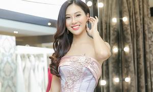 Diệu Ngọc đi chọn váy dạ hội chuẩn bị thi Miss World