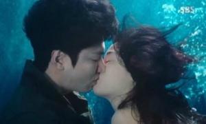 12 khoảnh khắc ấn tượng nhất sau 2 tập phim 'Huyền thoại biển xanh'