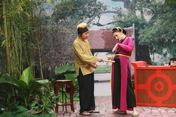 huong-giang-idol-lai-ngang-nhien-to-co-bau-voi-tran-thanh-1