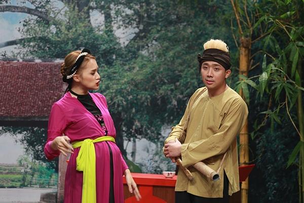 huong-giang-idol-lai-ngang-nhien-to-co-bau-voi-tran-thanh-2