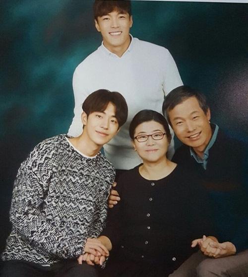 sao-han-25-11-tae-yeon-mat-nhon-khac-la-hyun-ah-khoe-co-bung-so-11-5
