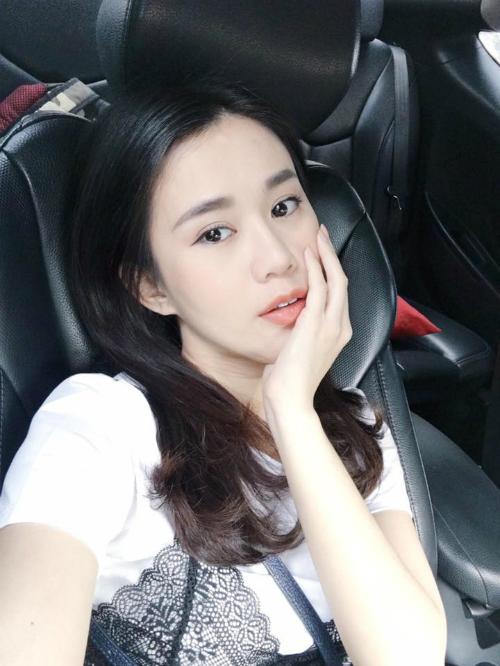 nhung-mau-son-duoc-hot-girl-sao-viet-bo-ket-dip-thu-dong-11