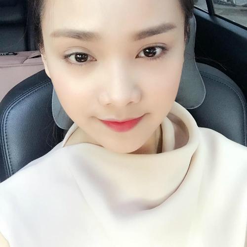 nhung-mau-son-duoc-hot-girl-sao-viet-bo-ket-dip-thu-dong-7