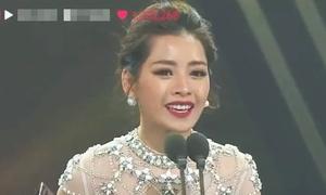 Chi Pu nhiều lần tự tin nói tiếng Anh trên sân khấu ngoại