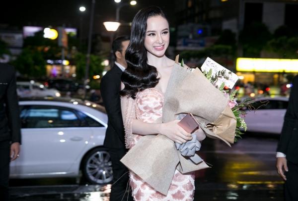 20-ve-si-thap-tung-angela-phuong-trinh-1