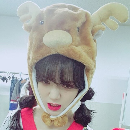 sao-han-2-12-yoon-ah-mat-to-tron-cute-soyu-dasom-than-mat-hon-ma-8