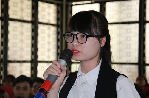 Phạm Thị Thanh đặt câu hỏi tại buổi tọa đàm chiều 29/11.