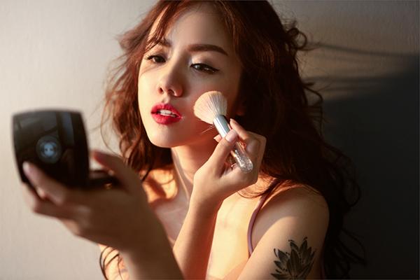 hot-girl-phuong-ly-khong-can-ho-van-dep-sexy-hut-mat-2