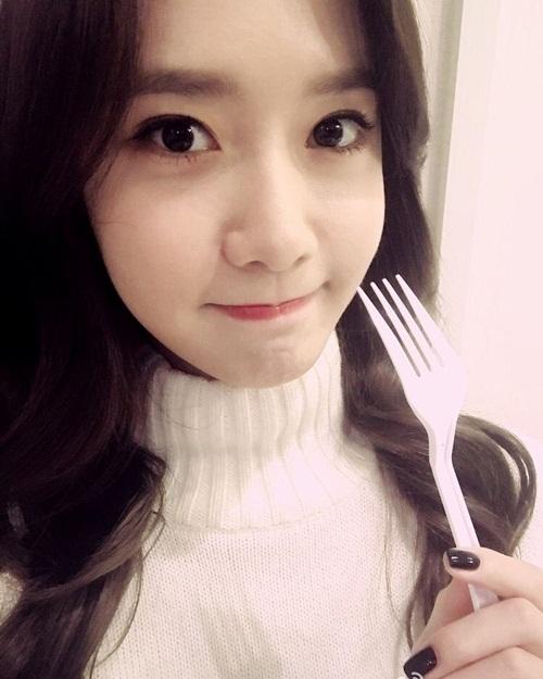 sao-han-2-12-yoon-ah-mat-to-tron-cute-soyu-dasom-than-mat-hon-ma