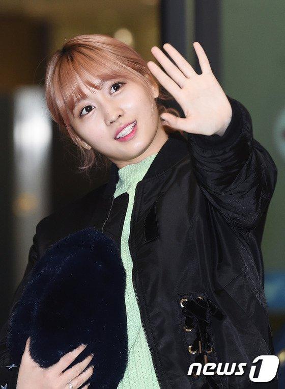 na-yeon-xau-ho-vi-mat-moc-suzy-make-up-nhe-van-long-lanh-ve-han-4