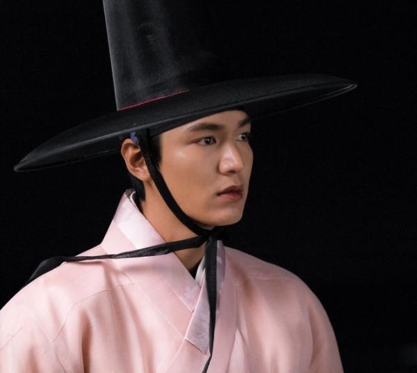 so-sanh-2-nam-chinh-hot-nam-joo-hyuk-lee-min-ho-3