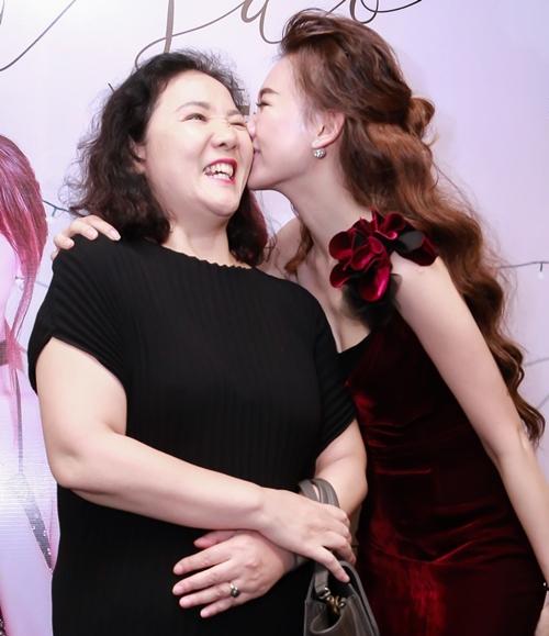 hari-won-nho-co-tinh-dan-ba-tran-thanh-moi-thanh-cong-nhu-bay-gio-2