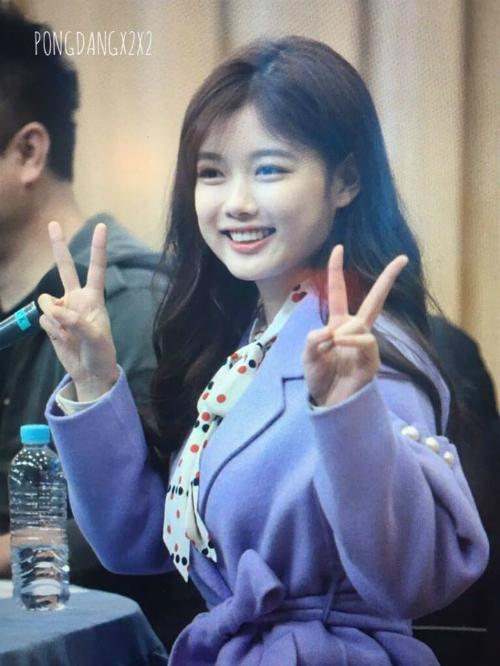 bi-sung-ma-kim-yoo-jung-van-duoc-khen-xinh-1