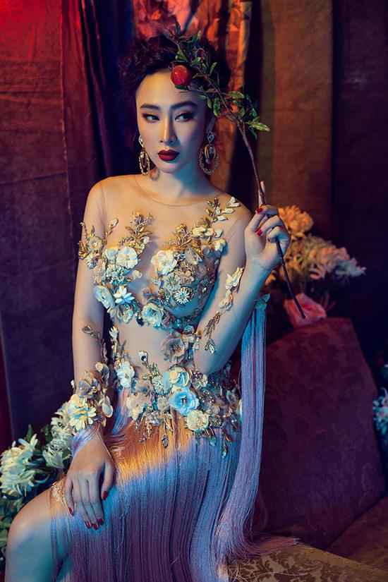 angela-phuong-trinh-khoe-chan-dai-dang-chun-voi-vay-sieu-mong-9