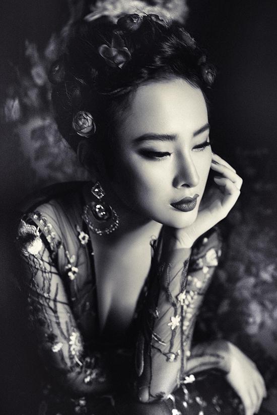 angela-phuong-trinh-khoe-chan-dai-dang-chun-voi-vay-sieu-mong-3