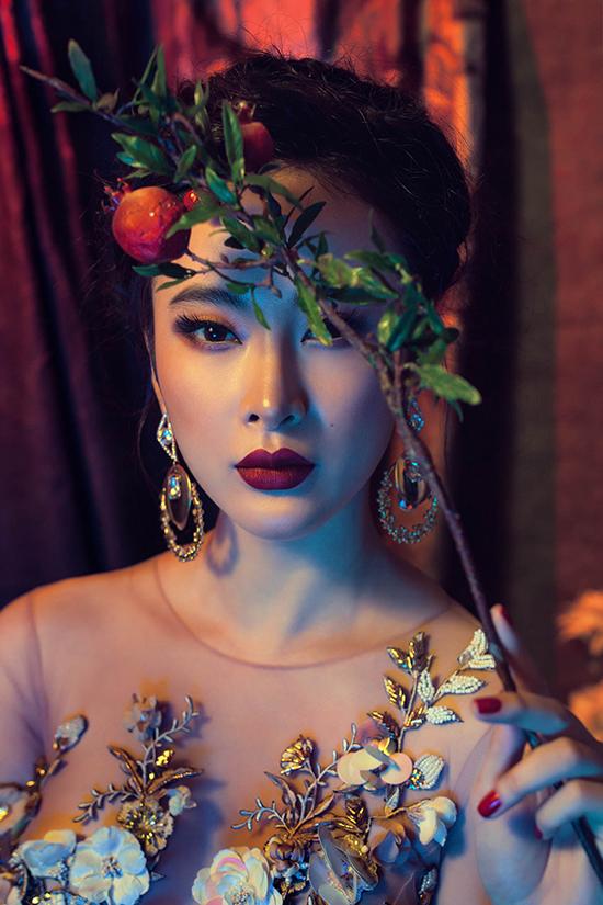 angela-phuong-trinh-khoe-chan-dai-dang-chun-voi-vay-sieu-mong-6