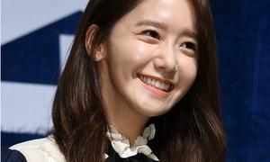 Yoon Ah bị soi da mụn khi xuất hiện bên mỹ nam Hyun Bin