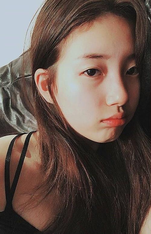 sao-han-18-12-suzy-mat-ngay-tho-ioi-khoe-chan-giua-troi-lanh