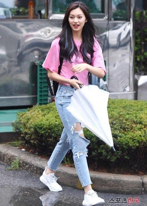 tieu-jun-ji-hyun-duoc-vogue-chon-la-bieu-tuong-thoi-trang-2017-12