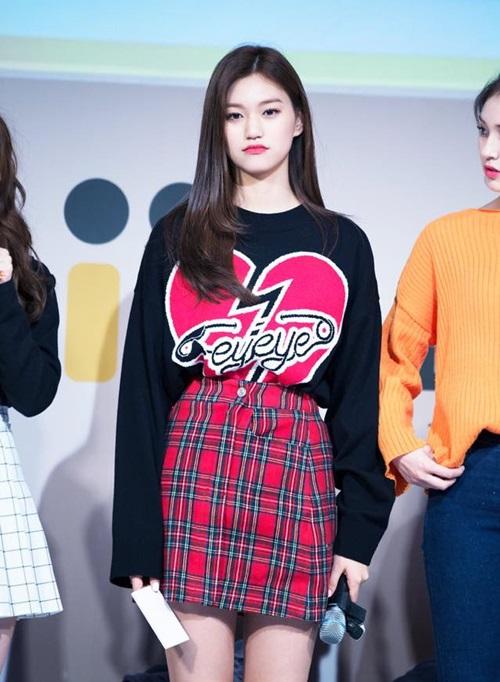 tieu-jun-ji-hyun-duoc-vogue-chon-la-bieu-tuong-thoi-trang-2017-11