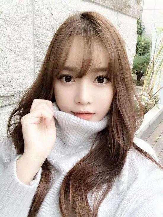 10-kieu-tao-dang-tay-cho-hinh-selfie-bot-nhat-1