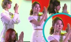 SBS Gayo: Twice sốc khi bị bật nhầm nhạc nền của G-Friend