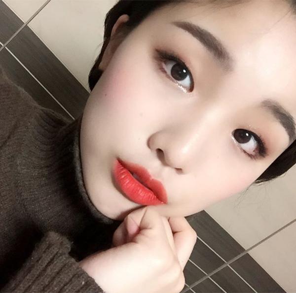 khong-can-dao-keo-hot-girl-han-mat-mot-mi-van-xinh-1