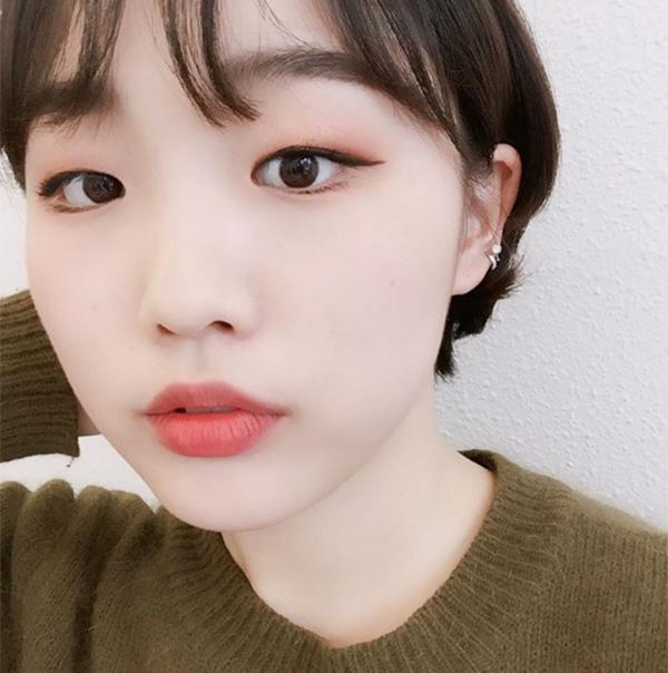 khong-can-dao-keo-hot-girl-han-mat-mot-mi-van-xinh-4