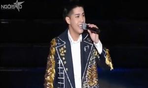 Những sao Việt nói tiếng Anh trôi chảy trên sân khấu quốc tế