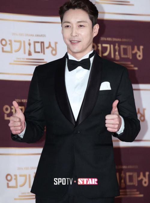kbs-drama-awards-song-joong-ki-song-hye-kyo-dat-dinh-cao-nhan-sac-14