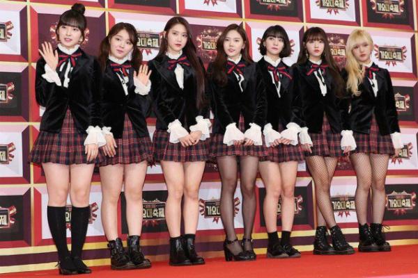 tan-binh-kpop-bi-nem-da-vi-nhai-hang-hieu-cua-black-pink