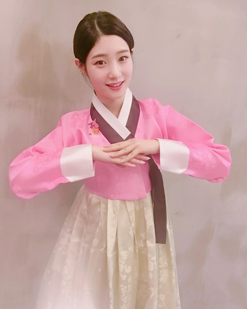 sao-han-1-1-iu-dep-doi-ben-lee-jun-ki-sulli-to-son-choe-choet-2