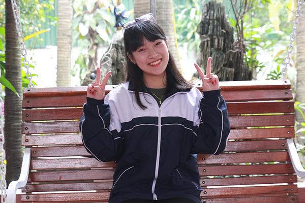 nhung-nu-sinh-gay-bao-mang-nam-2016-1