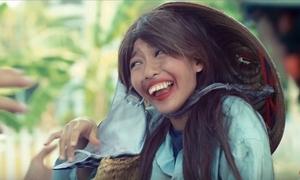 Khả Ngân hóa 'Thị Nở' trong phim Tết