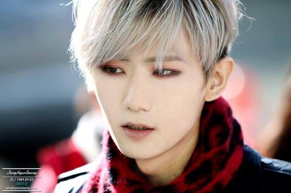 nhung-my-nam-kpop-thich-trang-diem-mat-dam-hon-ca-idol-nu-8