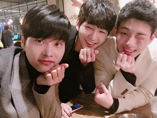 sao-han-4-1-kim-so-hyun-hoa-my-nu-co-trang-hyo-min-lan-ra-duong-dong-phim-3